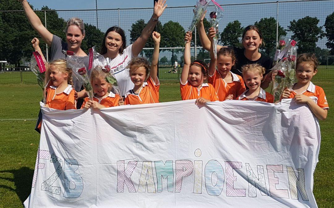 Oranje-Wit F2b KAMPIOEN!